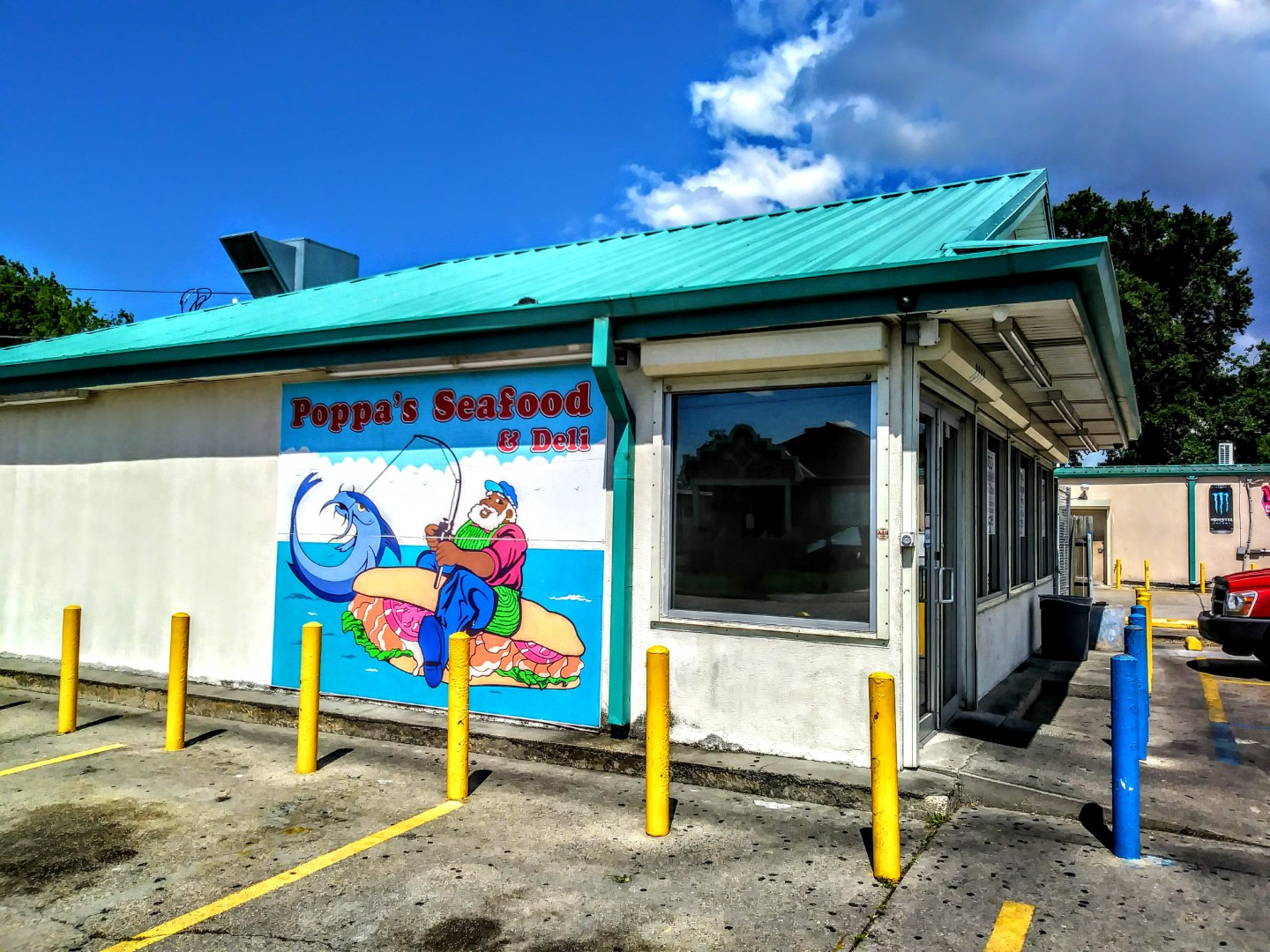 The Fried Chicken Parlors Of New Orleans 9th Ward: Poppa\'s Seafood ...